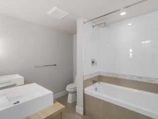 """Photo 8: 221 1783 MANITOBA Street in Vancouver: False Creek Condo for sale in """"Residences at West"""" (Vancouver West)  : MLS®# R2055907"""