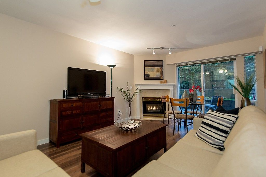 """Photo 4: Photos: 109 5788 VINE Street in Vancouver: Kerrisdale Condo for sale in """"THE VINEYARD"""" (Vancouver West)  : MLS®# V1095219"""