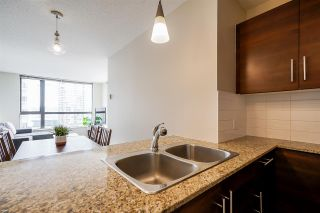 Photo 8: 404 814 ROYAL AVENUE in New Westminster: Downtown NW Condo for sale : MLS®# R2551728