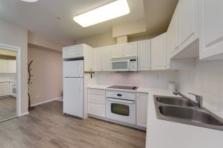 Photo 7: 222 10407 122 Street in Edmonton: Zone 07 Condo for sale : MLS®# E4236835