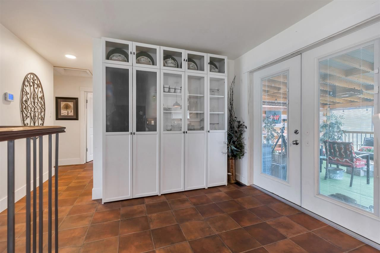 Photo 7: Photos: 2551 PARK Drive in Abbotsford: Central Abbotsford House for sale : MLS®# R2533422