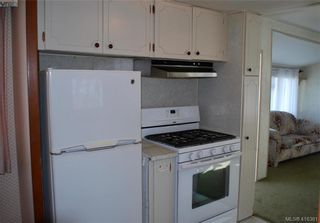 Photo 8: 19 1201 Craigflower Rd in VICTORIA: VR Glentana Manufactured Home for sale (View Royal)  : MLS®# 825952