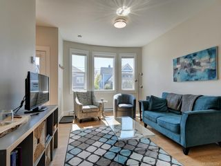 Photo 4: 3 1146 Caledonia Ave in Victoria: Vi Fernwood Row/Townhouse for sale : MLS®# 842254
