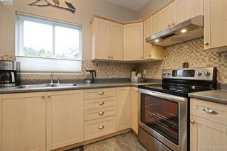 Photo 9: 134 Thetis Vale Cres in VICTORIA: VR Six Mile House for sale (View Royal)  : MLS®# 776055