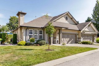 """Photo 2: 14 19452 FRASER Way in Pitt Meadows: South Meadows Townhouse for sale in """"SHORELINE"""" : MLS®# R2487652"""