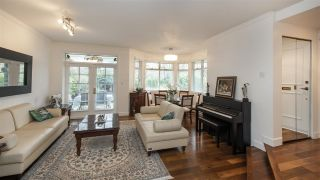 "Photo 2: 1601 BALSAM Street in Vancouver: Kitsilano Condo for sale in ""The Old York Townhomes"" (Vancouver West)  : MLS®# R2542512"