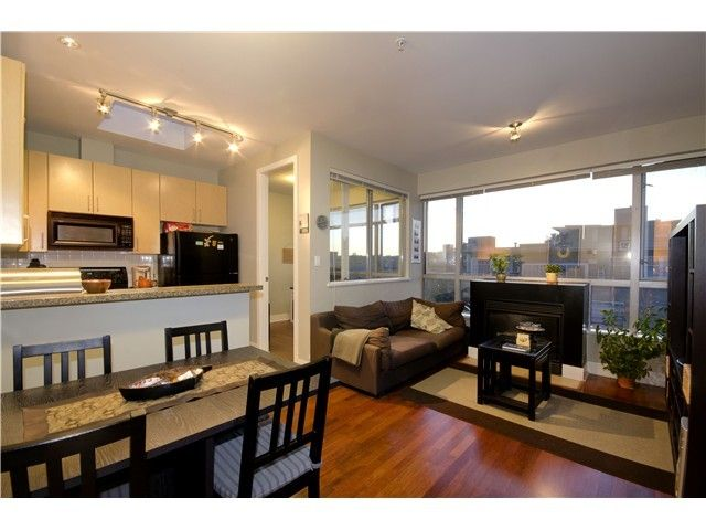 Main Photo: 405 2680 ARBUTUS Street in Vancouver West: Home for sale : MLS®# V1121616
