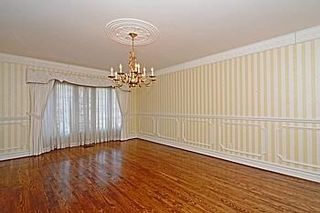 Photo 19: 7 Walnut Glen Place in Markham: Devil's Elbow House (2-Storey) for sale : MLS®# N3195427