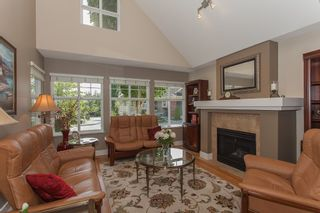 """Photo 11: 1 15450 ROSEMARY HEIGHTS Crescent in Surrey: Morgan Creek Townhouse for sale in """"CARRINGTON"""" (South Surrey White Rock)  : MLS®# R2201327"""