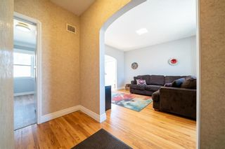 Photo 4: 315 SACKVILLE Street in Winnipeg: St James Residential for sale (5E)  : MLS®# 202105933
