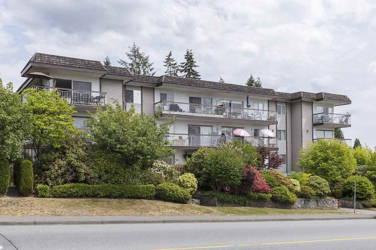 """Main Photo: 315 3080 LONSDALE Avenue in North Vancouver: Upper Lonsdale Condo for sale in """"Kingsview Manor"""" : MLS®# R2553100"""