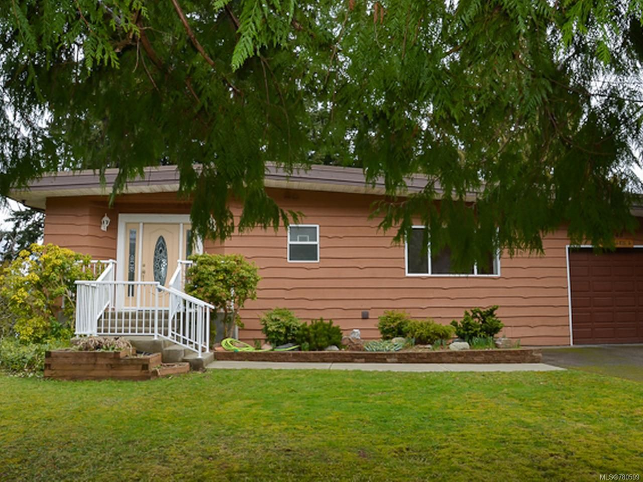 Main Photo: 5045 Seaview Dr in BOWSER: PQ Bowser/Deep Bay House for sale (Parksville/Qualicum)  : MLS®# 780599