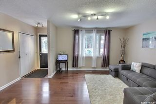 Photo 3: 582 24th Street East in Prince Albert: East Hill Residential for sale : MLS®# SK840418