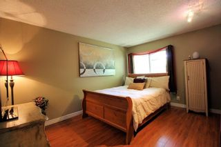 """Photo 5: 6182 W GREENSIDE Drive in Surrey: Cloverdale BC Townhouse for sale in """"Greenside Estates"""" (Cloverdale)  : MLS®# R2290183"""