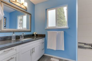 """Photo 34: 14907 SOUTHMERE Place in Surrey: Sunnyside Park Surrey House for sale in """"SOUTHMERE"""" (South Surrey White Rock)  : MLS®# R2468824"""