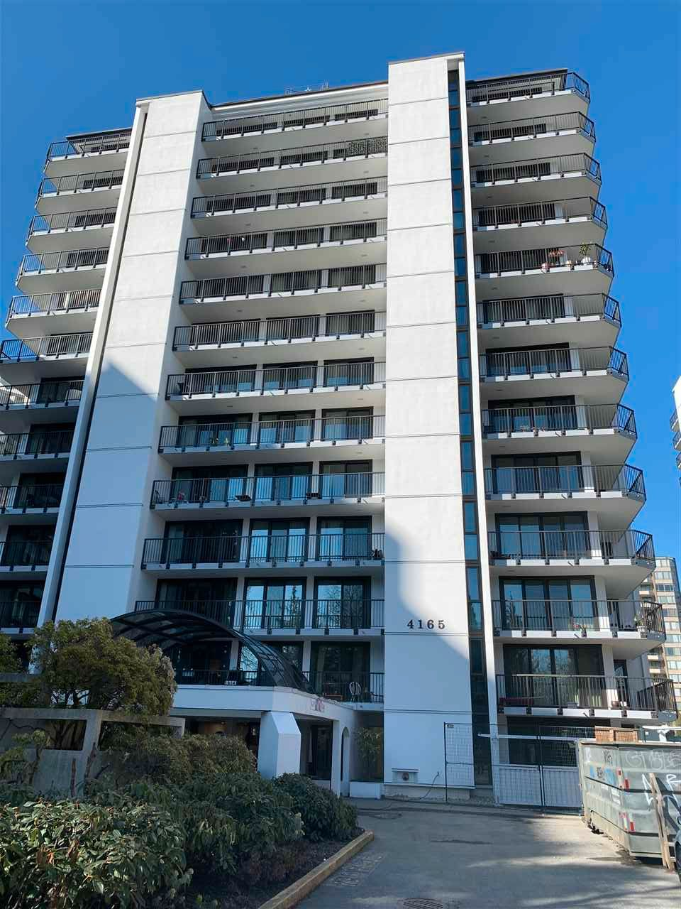 """Main Photo: 1208 4165 MAYWOOD Street in Burnaby: Metrotown Condo for sale in """"PLACE ON THE PARK"""" (Burnaby South)  : MLS®# R2562298"""