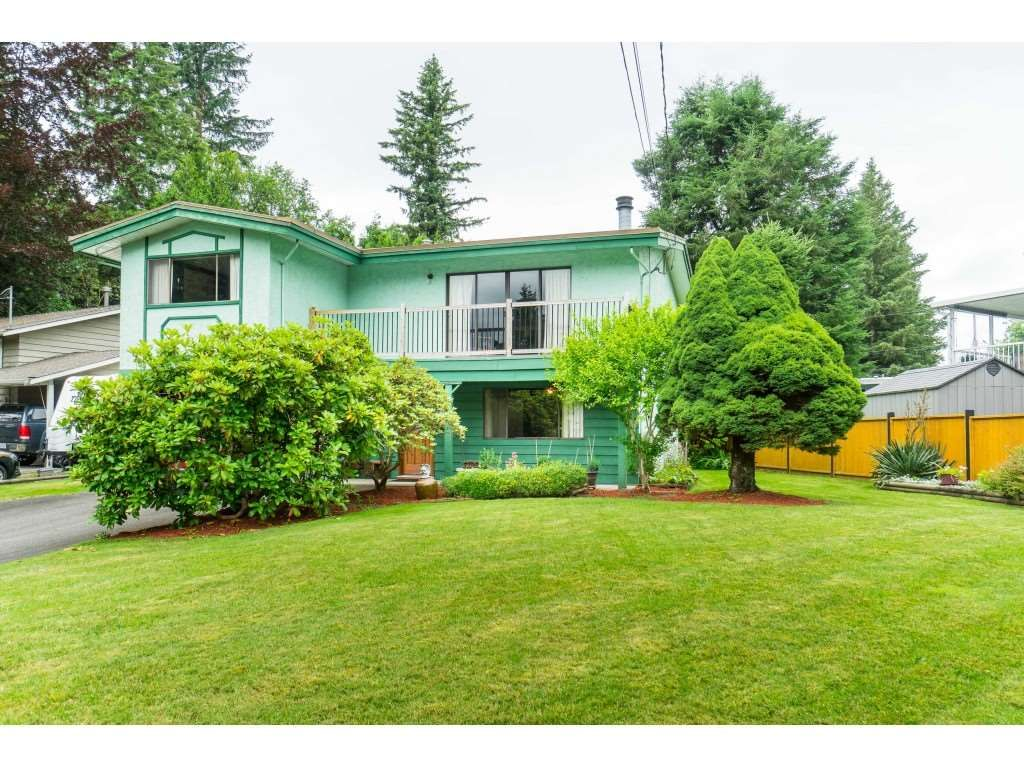 Main Photo: 3383 HENDON Street in Abbotsford: Abbotsford East House for sale : MLS®# R2468157