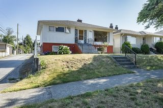 Photo 2: 3678 EAST 25th AVENUE in VANCOUVER: Renfrew Heights House for sale ()