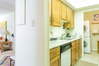 "Photo 6: 207 4194 MAYWOOD Street in Burnaby: Metrotown Condo for sale in ""ONE PARK AVANUE"" (Burnaby South)  : MLS®# R2182982"