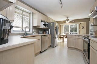 Photo 6: 5637 KATHLEEN Drive: House for sale in Chilliwack: MLS®# R2545995