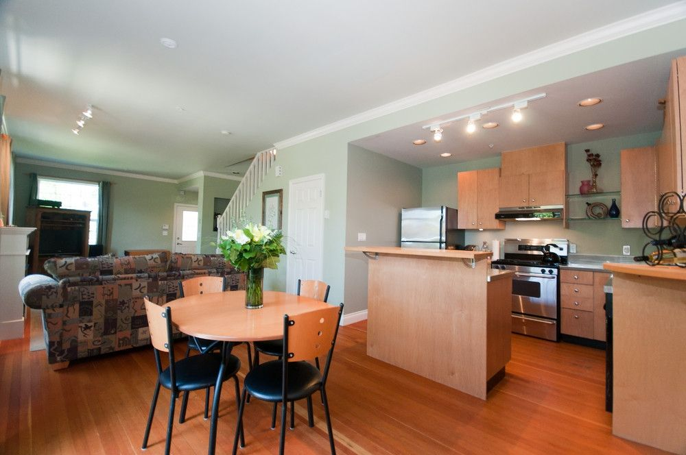 Photo 9: Photos: 2498 W 5TH Avenue in Vancouver: Kitsilano Townhouse for sale (Vancouver West)  : MLS®# V838455