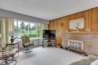 """Photo 5: 10476 155 Street in Surrey: Guildford House for sale in """"EAST GUILDFORD"""" (North Surrey)  : MLS®# R2573518"""