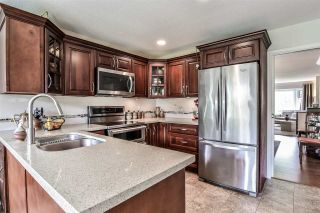 """Photo 8: 6570 CLAYTONHILL Place in Surrey: Cloverdale BC House for sale in """"Clayton Hill Estates"""" (Cloverdale)  : MLS®# R2374595"""
