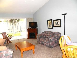 Photo 3: 9 2030 Robb Ave in COMOX: CV Comox (Town of) Row/Townhouse for sale (Comox Valley)  : MLS®# 711932