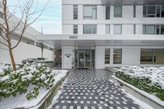 """Photo 24: 2507 5665 BOUNDARY Road in Vancouver: Collingwood VE Condo for sale in """"WALL CENTRE CENTRAL PARK SOUTH"""" (Vancouver East)  : MLS®# R2539277"""