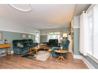 """Photo 6: 18076 58TH Avenue in Surrey: Cloverdale BC House for sale in """"CLOVERDALE"""" (Cloverdale)  : MLS®# F1440680"""