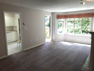 """Photo 3: 413 2059 CHESTERFIELD Avenue in North Vancouver: Central Lonsdale Condo for sale in """"Ridge Park Gardens"""" : MLS®# R2186291"""