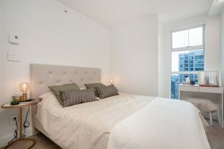 "Photo 8: 2606 939 HOMER Street in Vancouver: Yaletown Condo for sale in ""THE PINNACLE"" (Vancouver West)  : MLS®# R2555525"