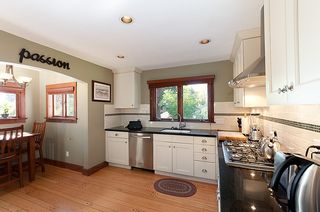Photo 4: 914 S Sinclair Street in West Vancouver: Ambleside House for sale