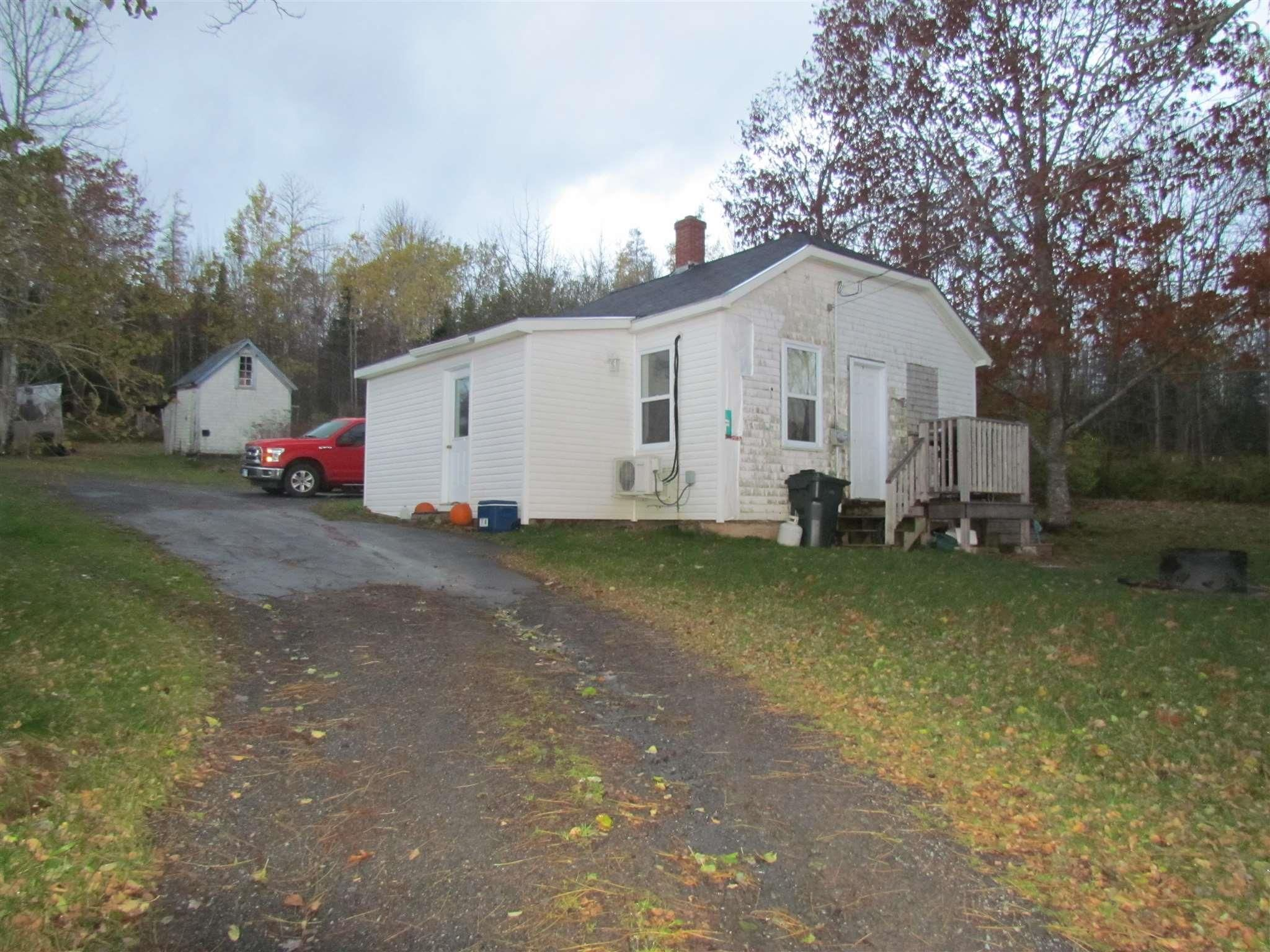Main Photo: 59 Wilson Road in Upper Rawdon: 105-East Hants/Colchester West Residential for sale (Halifax-Dartmouth)  : MLS®# 202124050