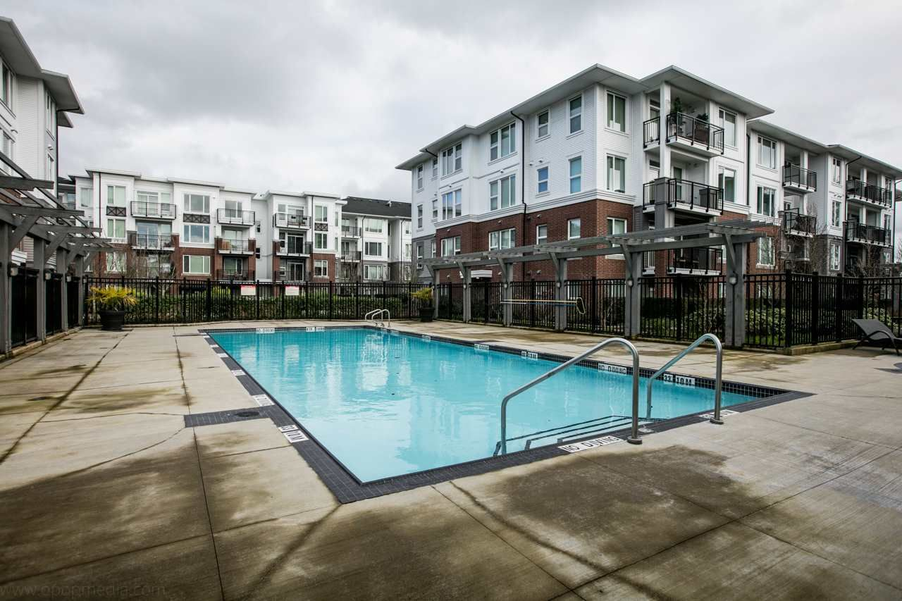 """Photo 19: Photos: 156 9388 MCKIM Way in Richmond: West Cambie Condo for sale in """"MAYFAIR PLACE"""" : MLS®# R2040447"""