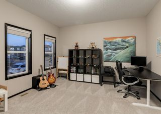Photo 14: 69 ELGIN MEADOWS Link SE in Calgary: McKenzie Towne Detached for sale : MLS®# A1098607