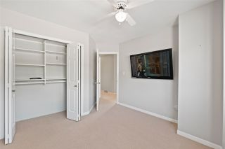 "Photo 30: 15414 VICTORIA Avenue: White Rock House for sale in ""White Rock"" (South Surrey White Rock)  : MLS®# R2568004"