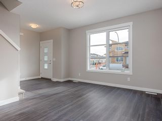 Photo 10: 32 SKYVIEW Parade NE in Calgary: Skyview Ranch Row/Townhouse for sale : MLS®# C4289138