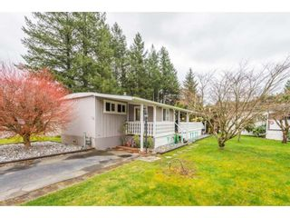 """Photo 2: 14 20071 24 Avenue in Langley: Brookswood Langley Manufactured Home for sale in """"Fernridge Park"""" : MLS®# R2562399"""