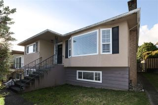 Photo 1: 8191 ELLIOTT Street in Vancouver: Fraserview VE House for sale (Vancouver East)  : MLS®# R2524924