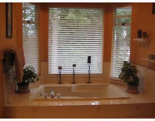 Photo 5: 1938 ARROYO Court in North_Vancouver: Blueridge NV House for sale (North Vancouver)  : MLS®# V754139