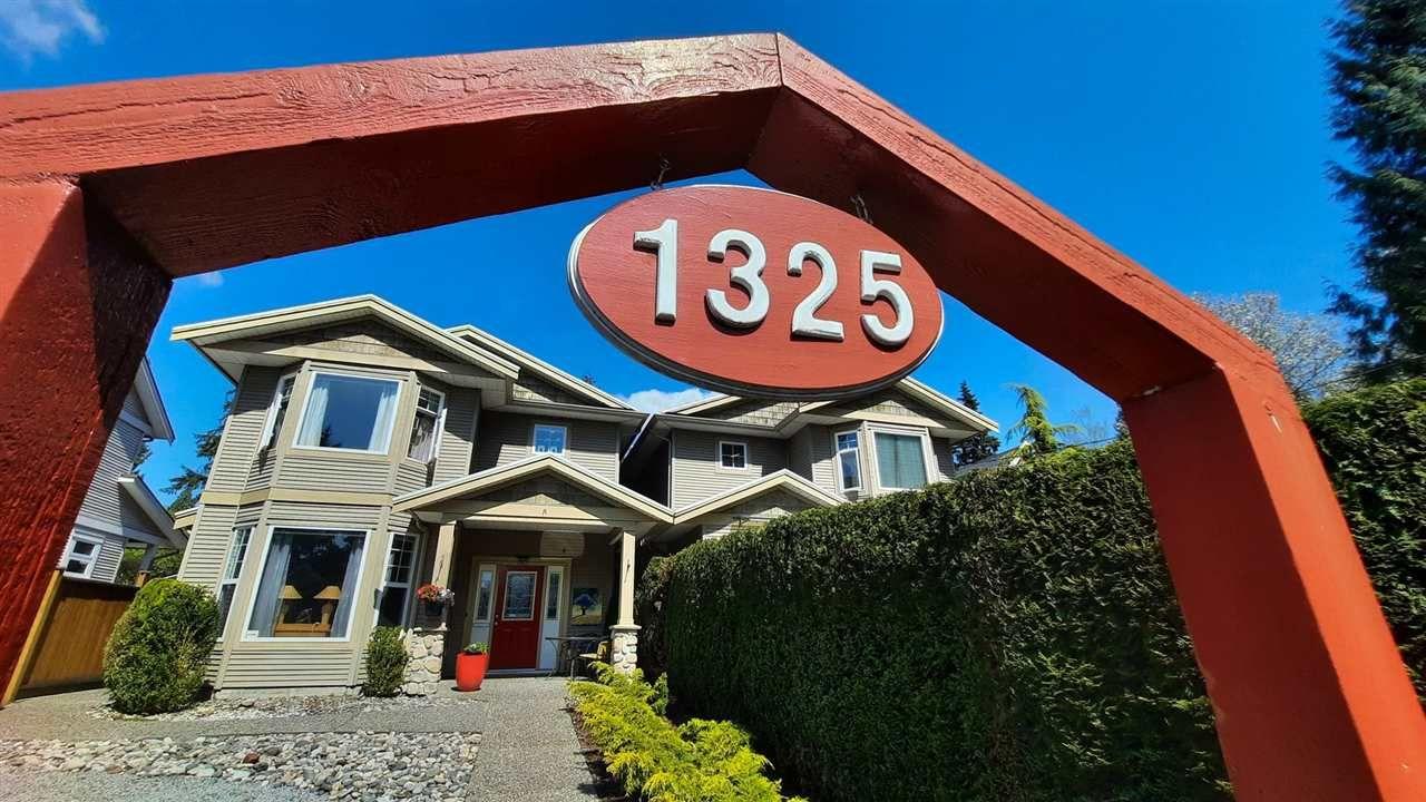 Main Photo: 1325 LEMAX Avenue in Coquitlam: Central Coquitlam 1/2 Duplex for sale : MLS®# R2575507