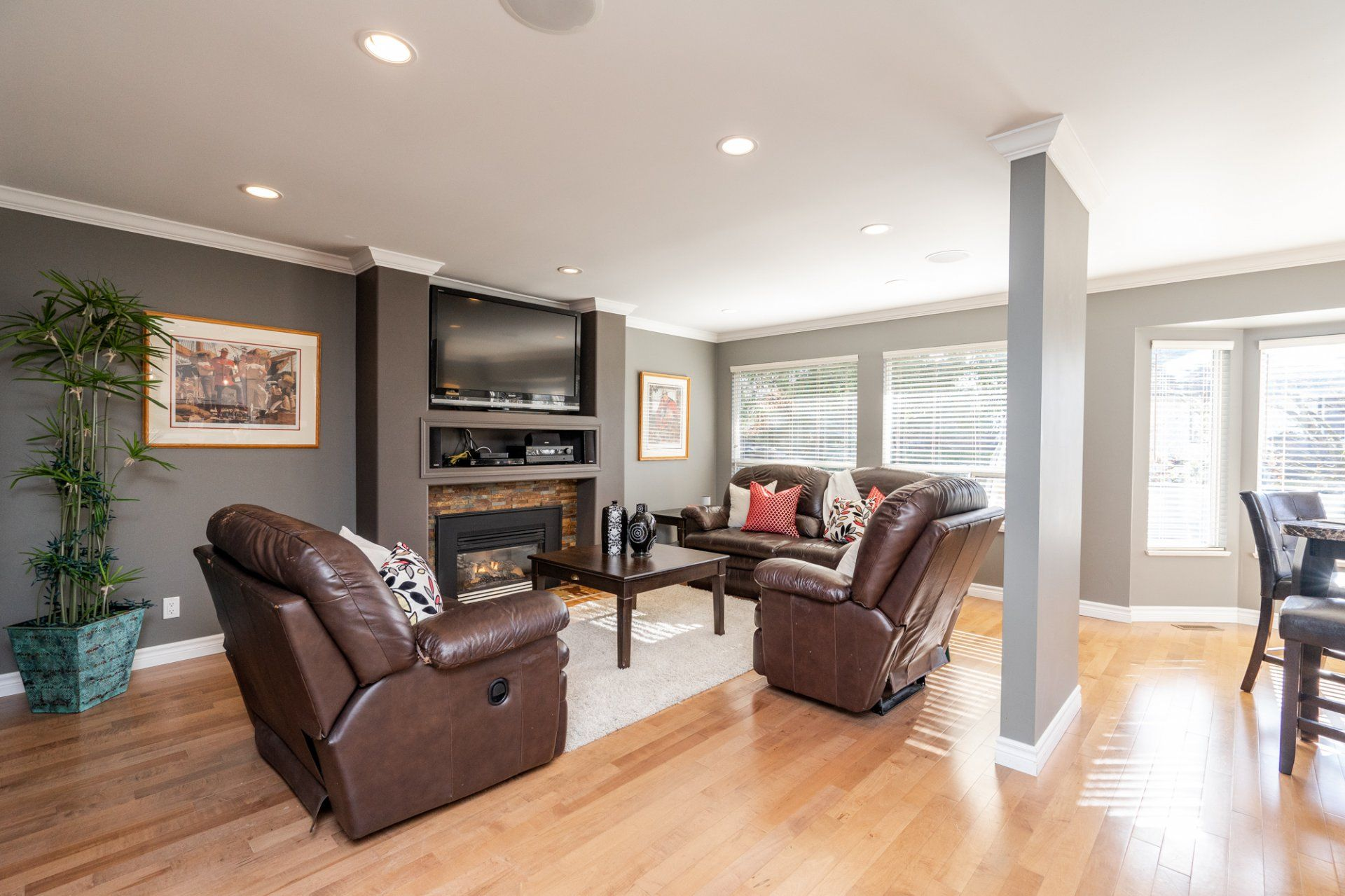 """Photo 11: Photos: 8448 213 Street in Langley: Walnut Grove House for sale in """"Forest Hills"""" : MLS®# R2259409"""