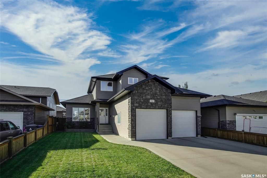 Main Photo: 707 Janeson Court in Warman: Residential for sale : MLS®# SK872218