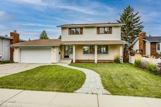 Main Photo: 231 Queen Charlotte Place SE in Calgary: Queensland Detached for sale : MLS®# A1151055