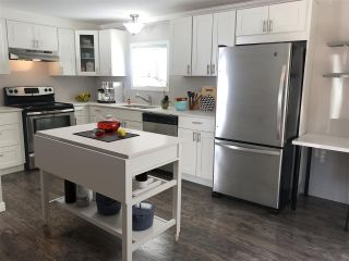 """Photo 3: 326 1840 160 Street in Surrey: King George Corridor Manufactured Home for sale in """"BREAKAWAY BAYS"""" (South Surrey White Rock)  : MLS®# R2489380"""