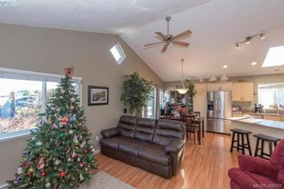 Photo 9: 605 Hammond Crt in VICTORIA: Co Triangle House for sale (Colwood)  : MLS®# 775728