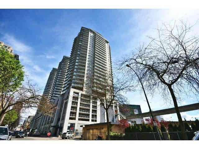 Main Photo: # 1605 - 892 Carnarvon Street in New Westminster: Downtown NW Condo for sale : MLS®# R2077064