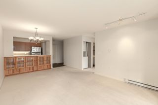 """Photo 5: 1602 7380 ELMBRIDGE Way in Richmond: Brighouse Condo for sale in """"The Residences"""" : MLS®# R2615275"""