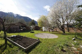 Photo 5: 19 BRACKEN Parkway in Squamish: Brackendale Manufactured Home for sale : MLS®# R2342599